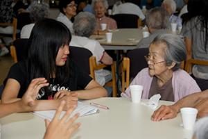 Visiting student volunteers from Japan